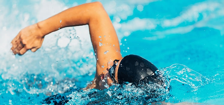¿Cuales son los beneficios de practicar natación?